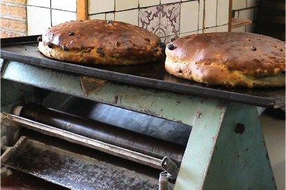 Het lekkerste brood koop je niet bij de supermarkt, maar bak je zelf. Alleen: Hoe doe je dat? In deze leuke en leerzame workshop leert een bakker je hoe je zelf een echt lekker brood en seizoensgebonden creaties kunt maken. En natuurlijk neem je die aan het einde van de workshop mee naar huis!