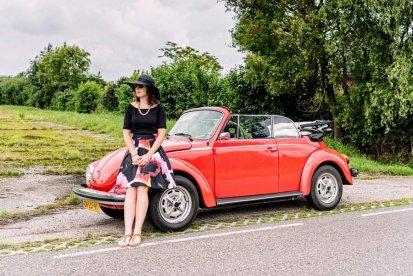 Trek er samen een dag ontspannen op uit en maak een heerlijke tocht in een klassieke Volkswagen Kever. Ervaar samen hoe het komt dat deze auto zo ongelooflijk populair was en is.