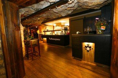 Het beste uit bourgondisch Limburg op een wel heel bijzondere locatie! Voor deze belevenis krijg je een romantische of gezellige 5-gangenbrunch in de grotten van Valkenburg. Een heerlijk cadeau!