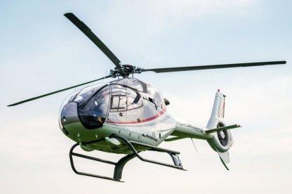 Deze geweldige helikopter-experience biedt jou de mogelijkheid de omgeving vanuit de lucht te bekijken. De crew ontvangt je hartelijk, je checkt in en krijgt een korte briefing. Daarna stijg je op in de helikopter en geniet van het uitzicht.