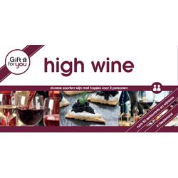 Sant�! Geniet met twee personen van diverse soorten wijn met hapjes.